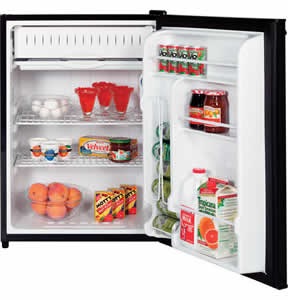 GE GMR06AAPBB Spacemaker Compact Refrigerator